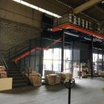 Escada metálica para mezanino